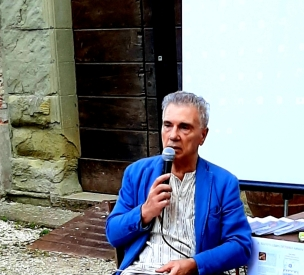 Giorgio Linguaglossa giacca blu