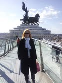 Giuliana Lucchini Sulla terrazza dell'ascensore