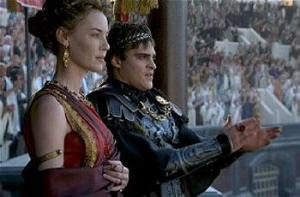 l'imperatore Commodo e la sorella nel film Il gladiatore
