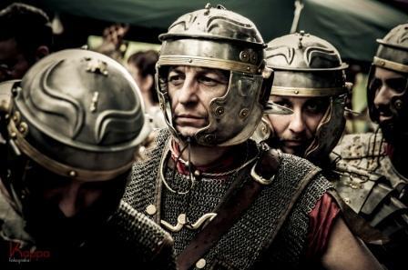 Roma_legionari in marcia