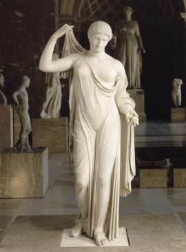 statua femminile