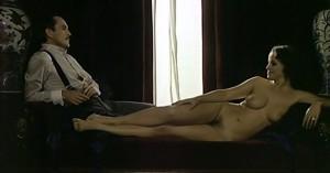 Laura Antonelli nel film mamma mia come sono caduta in basso