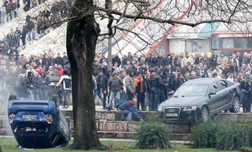 Police breaks up violent protest in Tirana