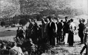 Umberto di Savoia nel 1936 visita l'esercito con gerarchi fascisti