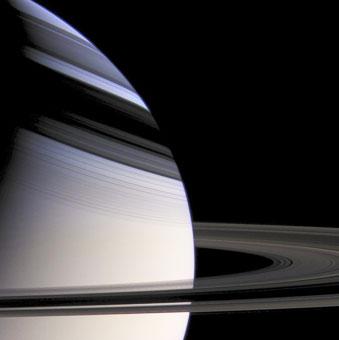 Saturno visto dalla sonda Cassini