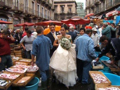 città Catania sposi al mercato del pesce