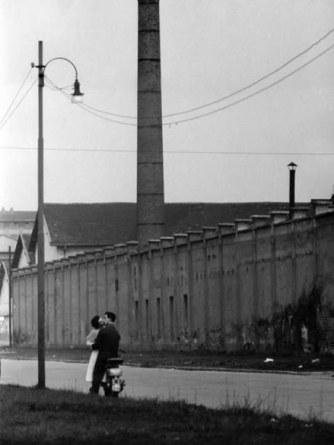 Milano Periferia_PortaVigentinaMilano 1952 Mario De Biasi