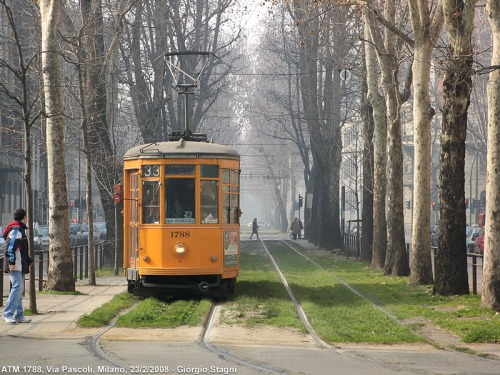 Milano tram via Pascoli