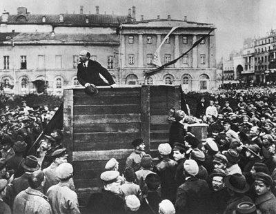 rivoluzione-d'ottobre, Lenin arringa la folla