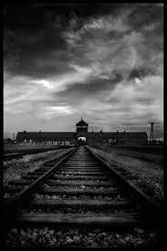 il binario che porta ad Auschwitz
