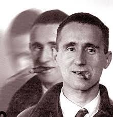 Bertolt Brecht Prima di tutto vennero a prendere gli zingari. e fui contento perchè rubacchiavano. Poi vennero a prendere gli ebrei. e stetti zitto perchè mi stavano ...