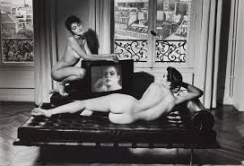 helmut newton nudo in un interno