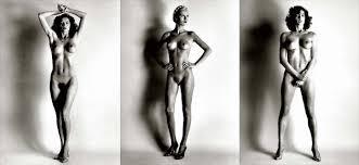 helmut newton White Women (1976) è l'opera che ha sancito l'ingresso del nudo radicale nella fotografia di moda, nonché l'opera prima di Newton