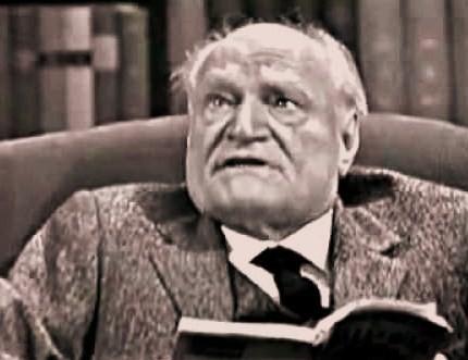 Giuseppe ungaretti mentre legge