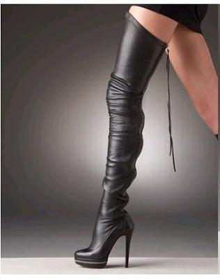 bello Gli stivali servono per parecchie cose per tenere caldi i piedi