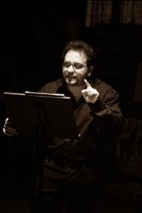 Marco Onofrio legge emporium