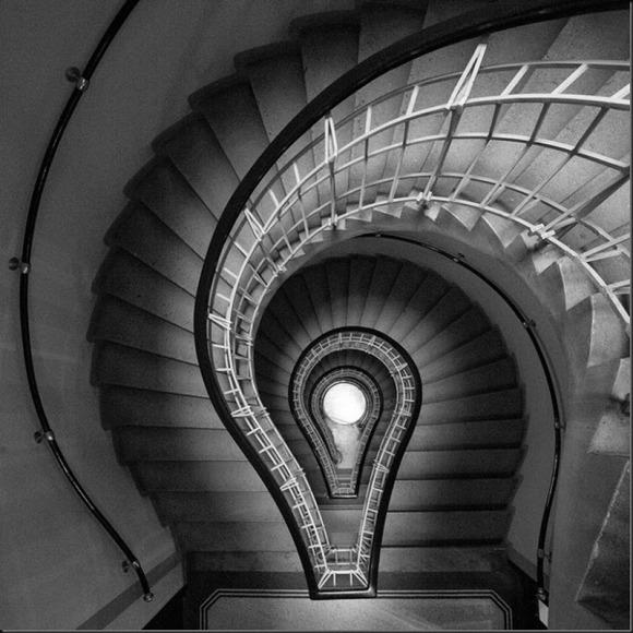 Born in Mexico City in 1963, Moises Levy, Architettura nella luce
