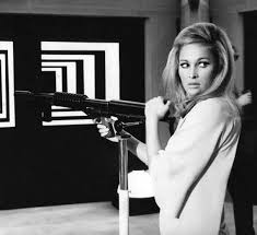 Elsa Martinelli film di Elio Petri La decima vittima 1965