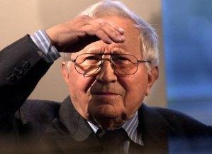 05.10.2002 WROCLAW TEATR POLSKI TADEUSZ ROZEWICZ URODZINY POETY FOT. BARTLOMIEJ SOWA / AGENCJA GAZETA