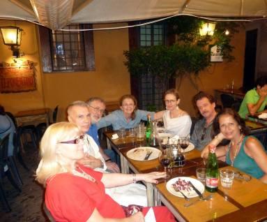 Duska Vrhovac, Giorgio Linguaglossa, Carlo Bordini e Steven Grieco con Rita, Roma, 25 giugno 2015 p.za Del Drago Al Ponentino