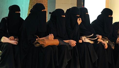 Donne con il velo-Arabia-Saudita