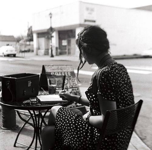 foto donna seduta