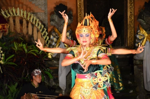 foto Bali danza-barong (bollywood) musical indiano