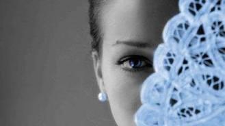 foto donna con ventaglio