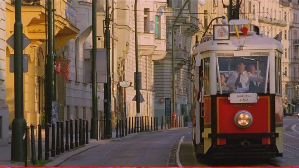città-praga-lampione-di-strada-tram