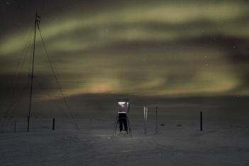 Evgenia Arbugaeva Weather_man_04-1