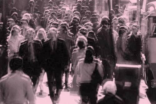 foto il vuoto della folla