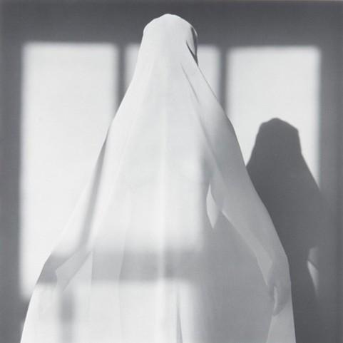 Foto donna velata
