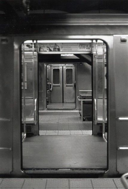 Foto in metro vuoto