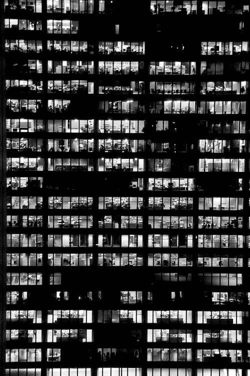 foto palazzo illuminato