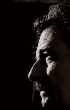 Steven Grieco Rathgeb profilo grigio