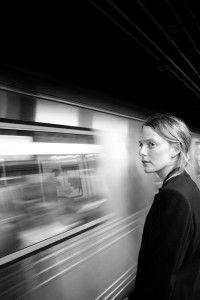 Foto donna e metro