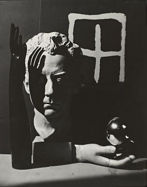 Foto Man Ray Still life auto portrait