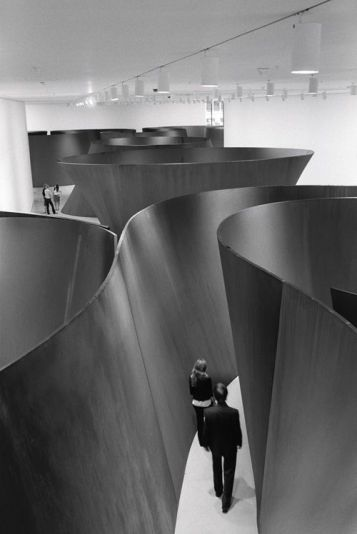 Foto Richard Serra (1939) the labirint