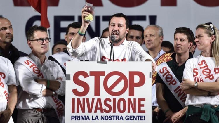 Salvini Il governo che intendo guidare non farà sbarcare neanche un clandestino o richiedente asilo in Italia Dal primo all'ultimo, tornano da dove sono partiti