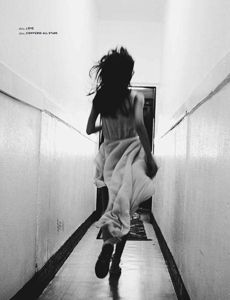 Foto fuga nel corridoio