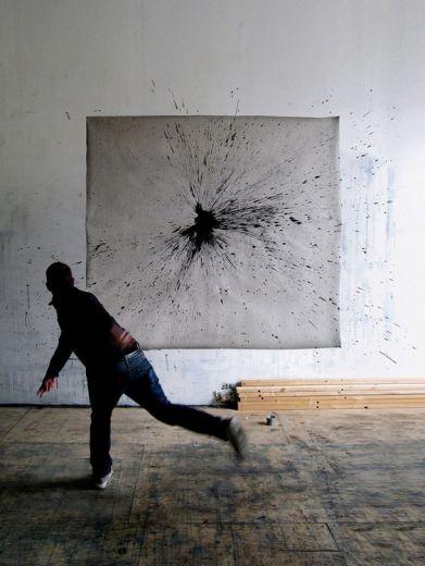 foto lancio di colore nero