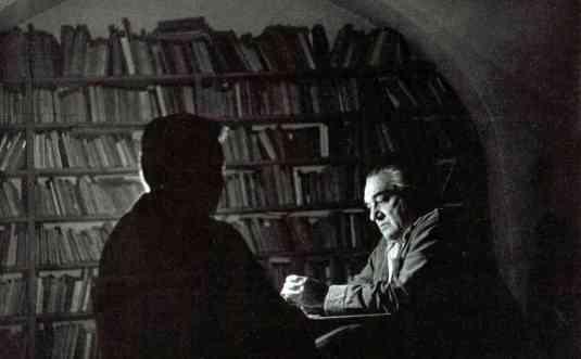 vladimir holan in biblioteca